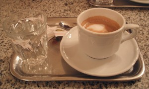 Viennese Melange, coffee w/hot foamed milk. Wikimedia Commons