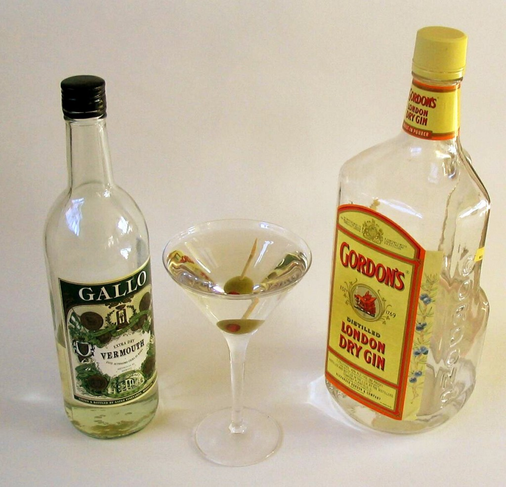 Martini makin's. Wikimedia Commons