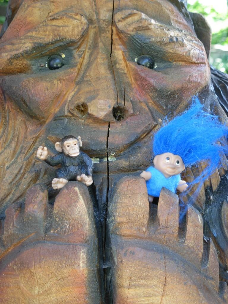 JoJo and Bog hobknob with Sasquatch