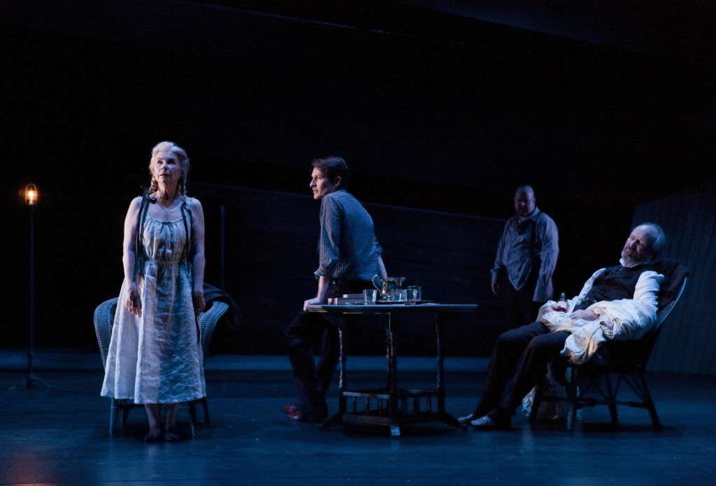 "Robyn Nevin, Luke Mullins, Todd Van Voris and William Hurt in ""Long Day's Journey Into Night."" Photo: Brett Boardman"